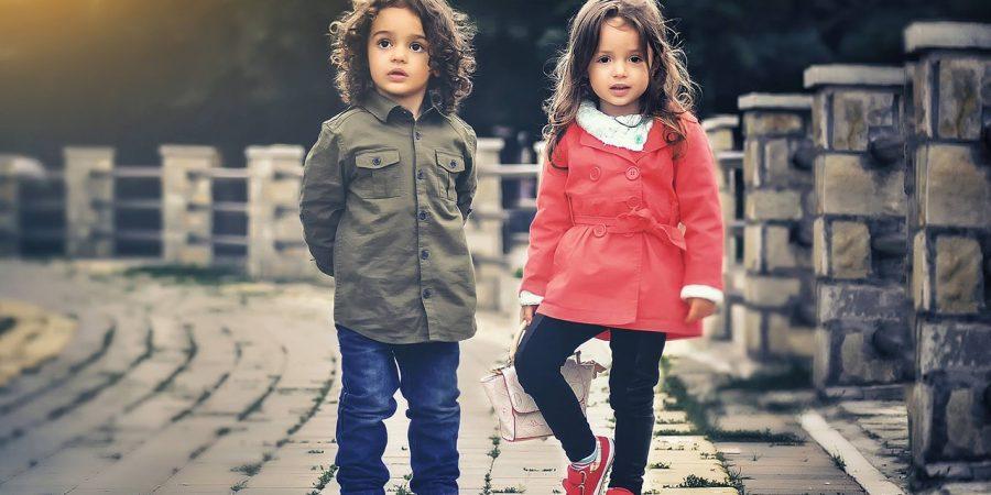 Enfant sur un pont